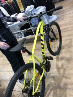 Cykelstöld Scott Vällingby Stulen